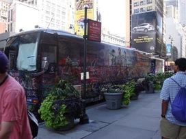 Grafiti Jonas Bros bus
