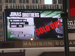 Jonas Bros sold out