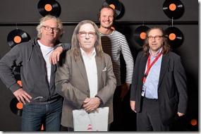 4-12-2014 40 jaar WV gastenboekfotos (19)Rob Telgenkamp en Frank Satink (Ev'Hands) en ik zei de gek (DVC)