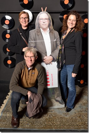 4-12-2014 40 jaar WV gastenboekfotos (40) Elly van den Brink (EvdBPromotions) en Erik Duit en Monique Ophorst (Multimomedia)