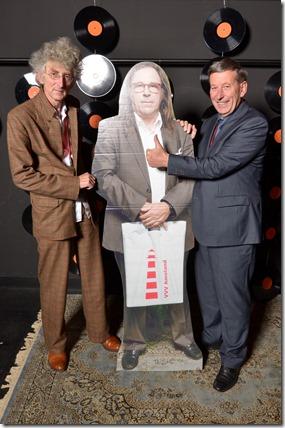 4-12-2014 40 jaar WV gastenboekfotos (57) Jan Dietvorst (Paradiso) en Frans Willeme (Buro Pinkpop)