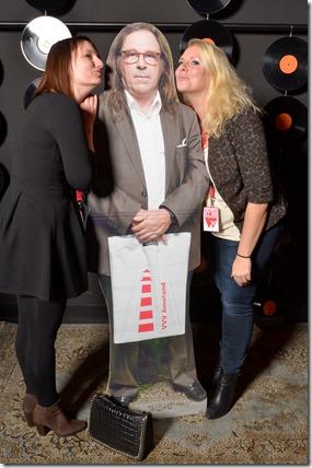 4-12-2014 40 jaar WV gastenboekfotos (62) Mireille Versteeg en Anke Janssen (Guus 'Modestus' Meeuwis Management)