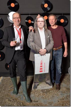 4-12-2014 40 jaar WV gastenboekfotos (65) Ben Giezenaar (groen rubberen laarzen) en Wies Baten (voor zichzelf en Stageco)