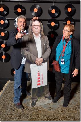 4-12-2014 40 jaar WV gastenboekfotos (75) Pieter Venema (broer van) en Mary Schuringa-LeFebre (-aangetrouwde- nicht van)