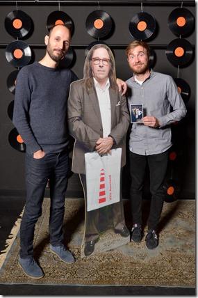 4-12-2014 40 jaar WV gastenboekfotos (80) Robert Schaefer en Tom Kettelaar (beide programmeur bij de Effenaar)