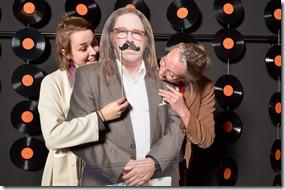 4-12-2014 40 jaar WV gastenboekfotos (82) dochter en echtgenote van de jubilaris